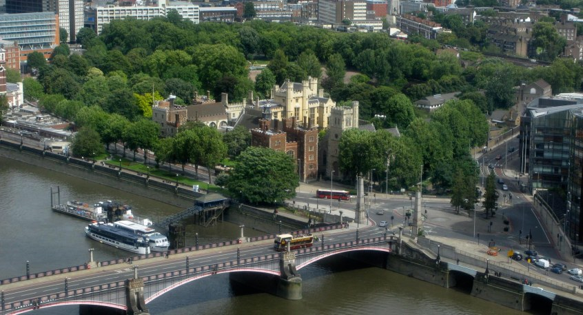 LAMBETH%20PALACE%20AND%20GROUNDS_31